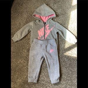NIKE Infant track suit 18M 🌷